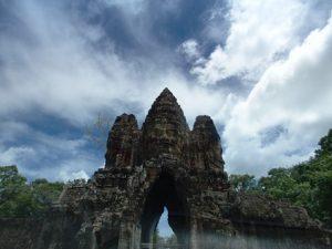 アンコールトムの門(観世音菩薩の四面塔)